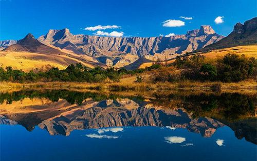 <h5><strong>TURISMO</strong></h5>Sudáfrica: naturaleza y riqueza cultural