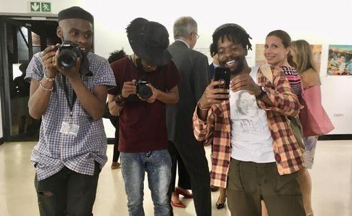 Muestra de fotografía en Sudáfrica con el apoyo de nuestra Cámara