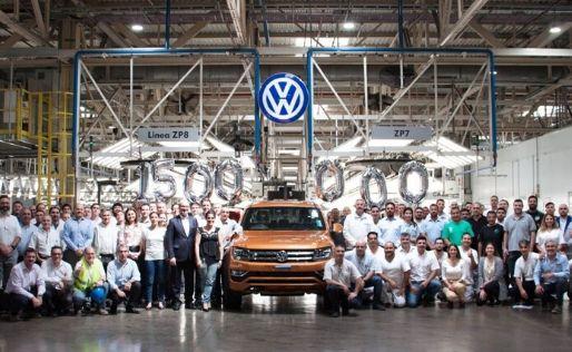 EMPRESAS<br>VW celebra las 1.5 millones de unidades producidas en Pacheco
